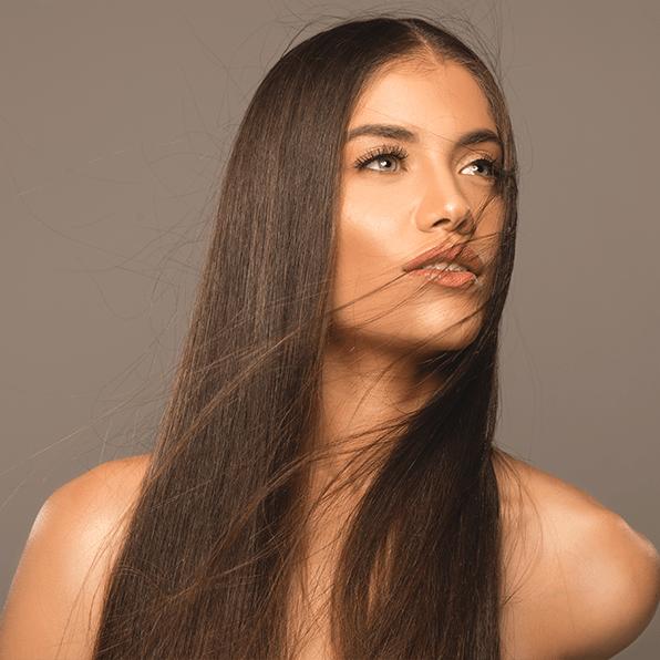 Lissage des cheveux à base de collagène